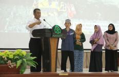 Mentan Amran Perkenalkan Mekanisasi Pertanian di UIN Makassar - JPNN.com