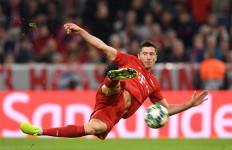 Lewandowski Pamer Trik Melewati 2 Pemain Lawan - JPNN.com