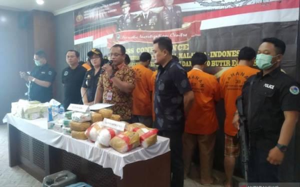 Bareskrim Gagalkan Penyelundupan 38 Kg Sabu-Sabu dan 28 Ribu Butir Ekstasi dari Malaysia - JPNN.com