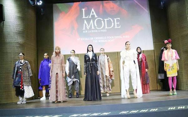 Karya Siswa BBPLK Semarang Ikuti Fashion Show di Paris - JPNN.com