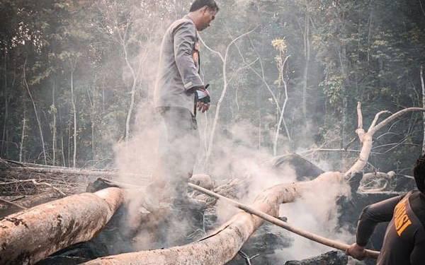 Dampak Kabut Asap, Pesawat Batal Mendarat di Bandara Silangit - JPNN.com