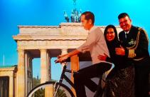 Eh Ada Sepeda Jokowi di Brandenburger Tor Berlin - JPNN.com