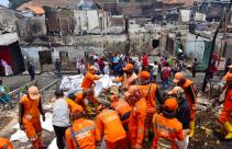 129 Rumah Terbakar di Jatinegara Gara-Gara Handphone - JPNN.com