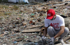 Mengintip Aksi Karyawan Sampoerna Jadi Relawan Bersih-Bersih Kota pada World Clean Up Day 2019 - JPNN.com
