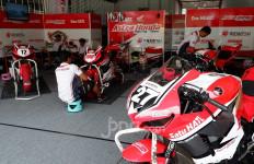 Suasana Paddock Pembalap Indonesia AHRT di Seri ke-6 ARRC Malaysia - JPNN.com