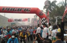 Kabut Asap Karhutla Tak Surutkan Semangat Pesepeda Ikuti Gowes Nusantara di Pekanbaru - JPNN.com