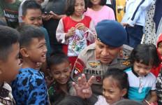 Irjen Firli Bahuri Hibur Keluarga Satbrimob Sumsel yang Bertugas di Papua - JPNN.com