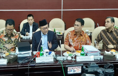 Pimpinan MPR RI Pamitan Pakai Pantun, Khilaf dan Salah Mohon Dimaafkan - JPNN.com
