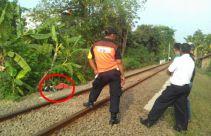 Wanita Berdaster Terseret Kereta Sejauh 200 Meter - JPNN.com