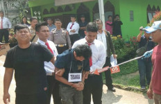 Beriman Bunuh dan Rampas Harta Pelajar SMA untuk Bayar Utang ke Ibunya - JPNN.com
