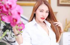 Yessy Bintang Ganti Nama Panggung, Ini Alasannya - JPNN.com