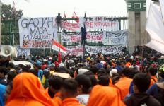 Kemarin Pagar DPR Rusak Akibat Demo Rusuh, Hari Ini Sudah Diperbaiki - JPNN.com