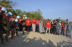 Kolonel Musleh Melepas 400 Peserta Kejuaraan Jepara Internasional Triathlon - JPNN.com