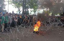 Aksi Demo Mahasiswa di DPRD Sumut Memanas, Pagar Kawat Dirusak - JPNN.com