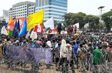 Mahasiswa UKI Bolos Kuliah untuk Perjuangkan Nasib Rakyat - JPNN.com