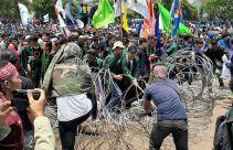 Sebaiknya Pak Jokowi Keluarkan Perppu Pembatalan UU KPK ketimbang Dipaksa Turun Takhta - JPNN.com