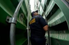 Bea Cukai Dukung Ekspor Perdana Komoditas Perikanan melalui Bandara Domine Eduard Osok - JPNN.com