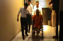 Sukarno Dapat Hadiah Dua Tembakan di Kaki dari Polisi - JPNN.com