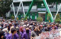 Ribuan Mahasiswa Kepung Kantor Wali Kota-Pemkab Bogor, Ini Tuntutannya - JPNN.com