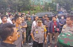 Video Polisi Memukuli Mahasiswa di Gedung DPRD Sumut, nih Penjelasan Kapolda - JPNN.com