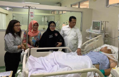Bamsoet Jenguk Korban Rusuh Demo DPR RI di RS Pelni dan RS Polri Kramat Jati - JPNN.com