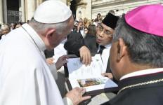 Temui Paus di Vatikan, Kiai Staquf Sampaikan Salam dari Presiden & Rakyat Indonesia - JPNN.com