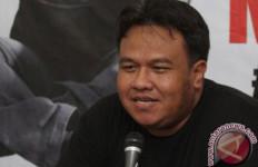 Detik-detik Aktivis Dandhy Dwi Laksono Ditangkap Jelang Tengah Malam - JPNN.com