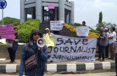 Kutuk Aksi Kekerasan, Jurnalis Gelar Unjuk Rasa - JPNN.com
