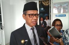Istri Dilantik jadi Anggota DPR, Irwan Prayitno Absen Rapat Paripurna HUT Provinsi - JPNN.com