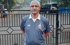 Edson Tavares Siapkan Formasi Baru dengan Tiga Bek untuk Persija - JPNN.com