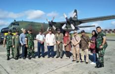 TNI Bantu Evakuasi Perantau Minang dari Wamena ke Jayapura - JPNN.com
