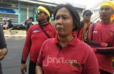 Tiba di DPR, Massa Gebrak Tuntut Pelanggar HAM di Sekitar Jokowi Ditindak - JPNN.com