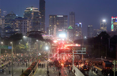 Demo Rusuh, Puluhan Orang Diamankan dan Dibawa ke Polda Metro Jaya - JPNN.com