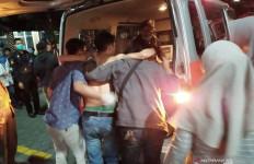 Demo Rusuh, Ratusan Mahasiswa Dilarikan ke Rumah Sakit - JPNN.com