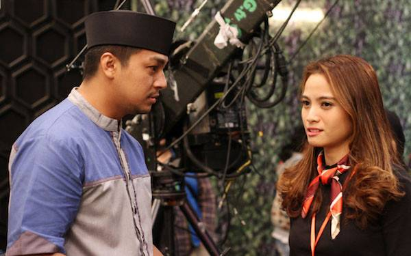 99 Nama Cinta, Kisah Asmara Anak Kiai dan Presenter Gosip - JPNN.com