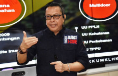 Tegas, KLHK Jerat 2 WN Singapura Penyelundup Limbah B3 - JPNN.com