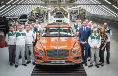 Bentley Bentayga PHEV Resmi Diniagakan, Cek Harganya - JPNN.com
