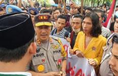 Kapoldasu Soal Nasib 5 Oknum Polisi Pelaku Pemukulan Saat Demo di Gedung DRPD Sumut - JPNN.com