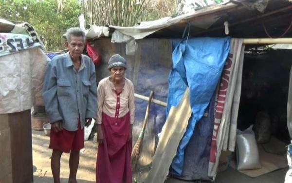 Di Hari Tuanya, Muhayanah dan Asmin Tinggal di Gubuk Plastik - JPNN.com