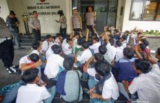 Para Pelajar ini Kecele Dijanjikan Uang Jika Ikut Demo di DPR, Ternyata.. - JPNN.com
