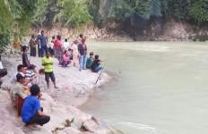 Satu Hari Tidak Pulang ke Rumah, Siswi SMK Ditemukan Tak Bernyawa di Sungai - JPNN.com