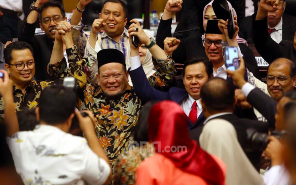 Agus Santoso Dukung La Nyalla Mattalitti Maju Jadi Caketum PSSI, Ini Alasannya - JPNN.com