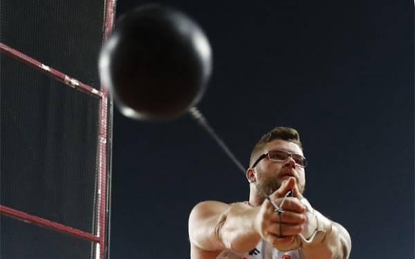 Lihat Aksi Pawel Fajdek, Pria Polandia yang Melontarkan Martil Sejauh 80,50 Meter - JPNN.com