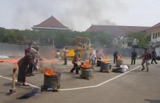 Ribuan Barang Bukti Kejahatan Dimusnahkan - JPNN.com