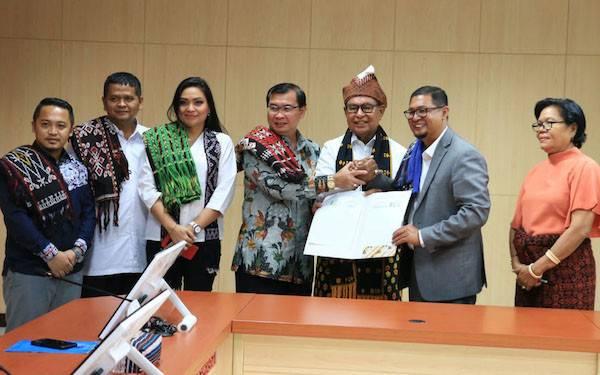 NTT Jadi Pilot Project Penempatan Pekerja Migran Sektor Kelapa Sawit - JPNN.com