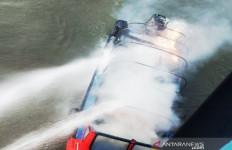 Speedboat Terbakar, Terdengar Suara Ledakan - JPNN.com
