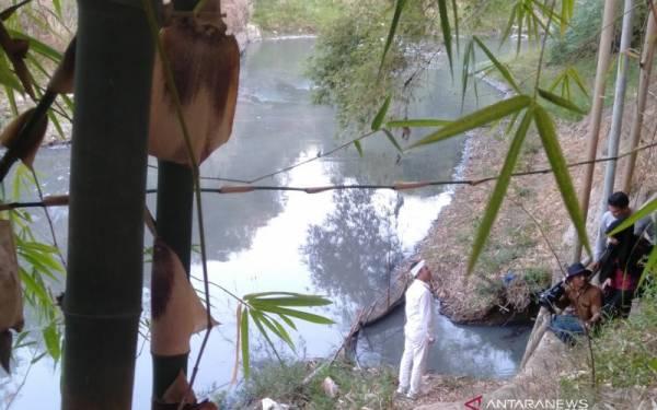 14 Tahun Sungai Cilamaya Tercemar Limbah Industri, Ini Kata Dedi Mulyadi - JPNN.com