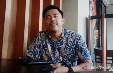 Profil Renaldi Saputra: Sempat jadi Pengamen, Kini Wakil Rakyat Termuda - JPNN.com