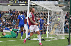 Jeff Hendrick Bawa Burnley Bungkam Everton 1-0 - JPNN.com