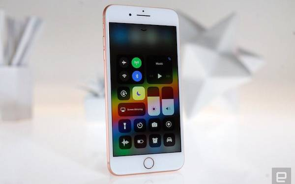 Apple Akan Luncurkan iPhone 11 Versi Murah Tahun Depan - JPNN.com